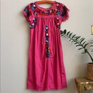 🦋 Vintage 70's Embroidered Dress